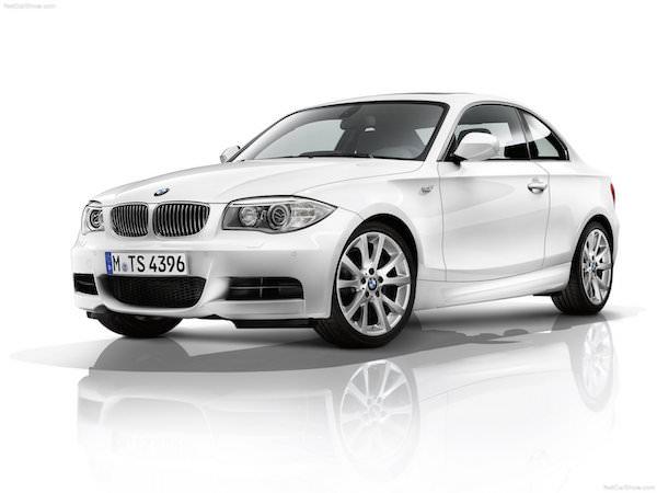Набор обоев автомобили BMW